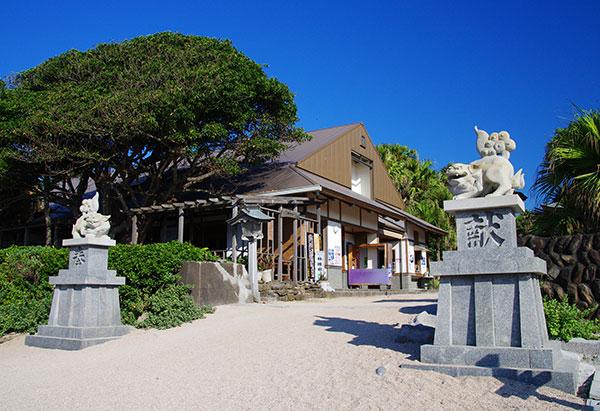 日南海岸の青島神社