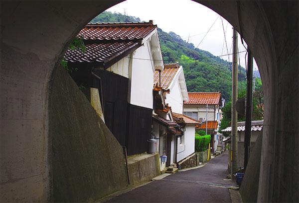 鷺浦のトンネル