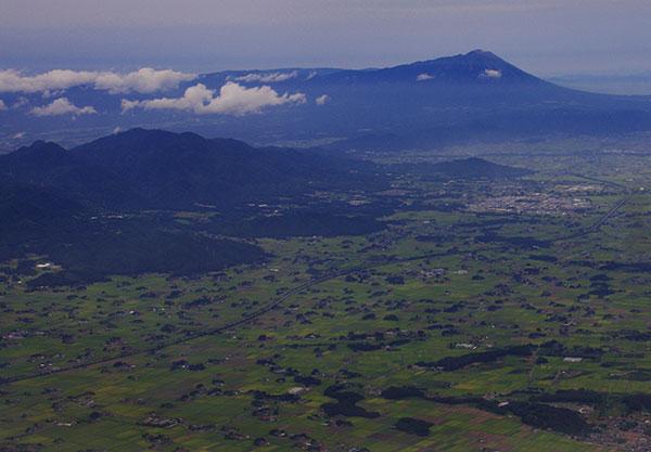花巻市上空から見た岩手山