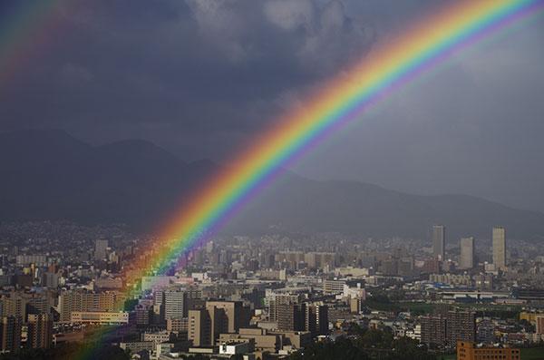 札幌の街に舞い降りた虹