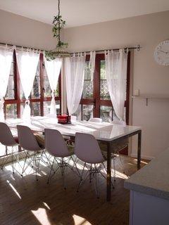 Dining area - L