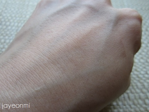 its skin_イッツスキン_ウェディングドレス_クリーム(6)