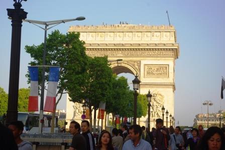 パリ祭凱旋門