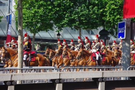 パリ祭騎馬