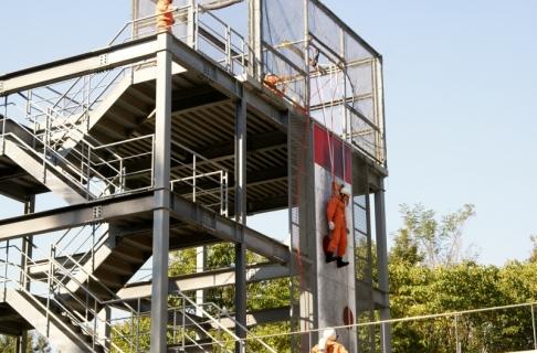 2007-06-06 25年度11月5日年長消防署見学 098 (800x527)