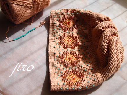 ビーズ編みポーチ-柔らかい言葉の意思疎通