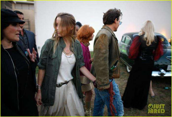 johnny-depp-amber-heard-hold-hands-at-cry-baby-reunion-01.jpg