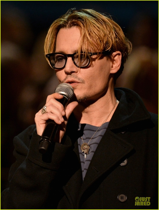 johnny-depp-sean-penn-beatles-tribute-presenters-04.jpg