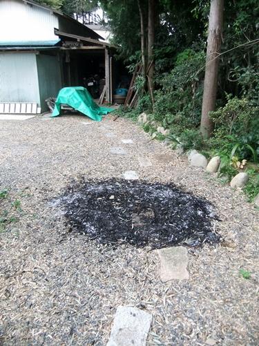 2013.9.22 台風の落ち葉焼き(赤道) 047