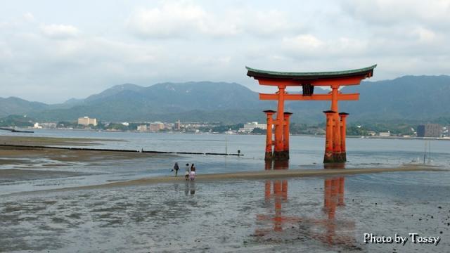 厳島神社 赤鳥居