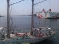大阪港 帆船「あこがれ」とフェリー「サンフラワー」
