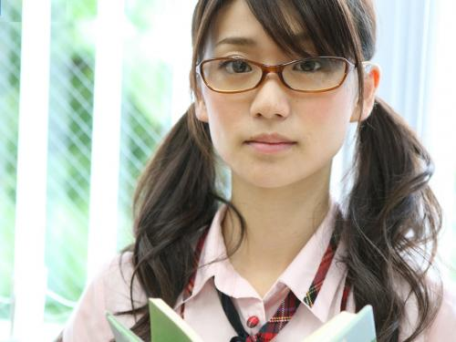AKB大島優子のメガネ姿超絶かわええw