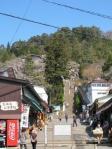 飯盛山への階段横にエスカレーター