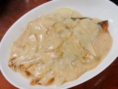サーモンのクリームソース煮