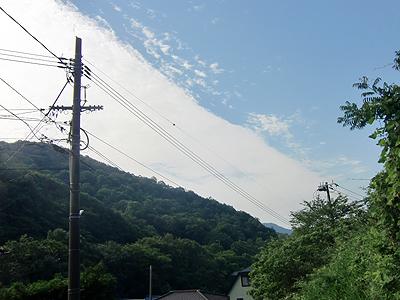 一直線な雲