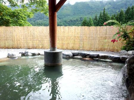 大白川温泉 しらみずの湯 源泉かけ流し天然温泉 露天風呂~満喫 ③