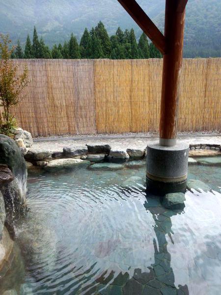 道の駅に源泉かけ流しの温泉を併設 「大白川温泉 しらみずの湯&道の駅 飛騨白山」⑩