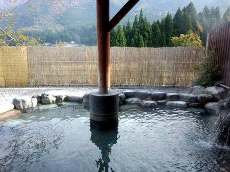 紅葉を眺めながら湯ったり~露天風呂