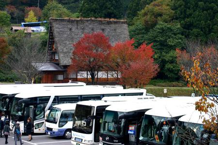 秋の紅葉佳境を迎える ~絶景&見所満載な白川郷合掌造り集落~⑩