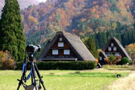 紅葉を眺めながら~ゆったりと散策を楽しもう~世界遺産 白川郷合掌集落 ⑤