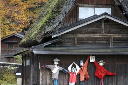 ~冬紅葉~紅葉の季節が終わりに近づき、もう冬の気配が漂い始める・・・世界遺産 白川郷 ⑧
