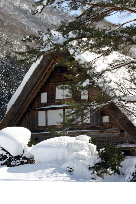 冬の旅行は世界遺産に溢れた白川郷で 歴史を感じる時間を ①