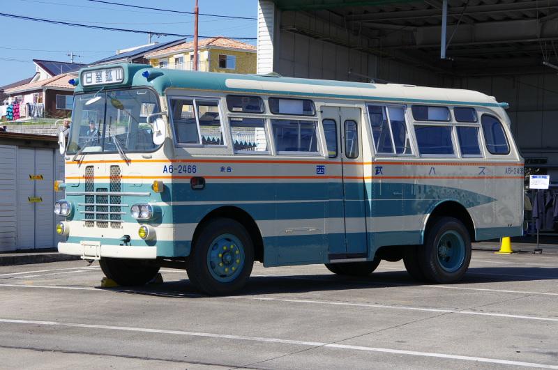 seibu-bus1.jpg