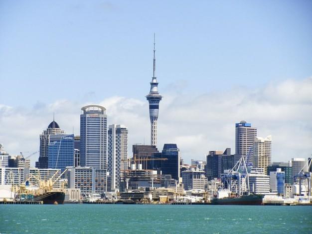 skyline-kiwi-new-tower-auckland-zealand-sky_121-73230.jpg