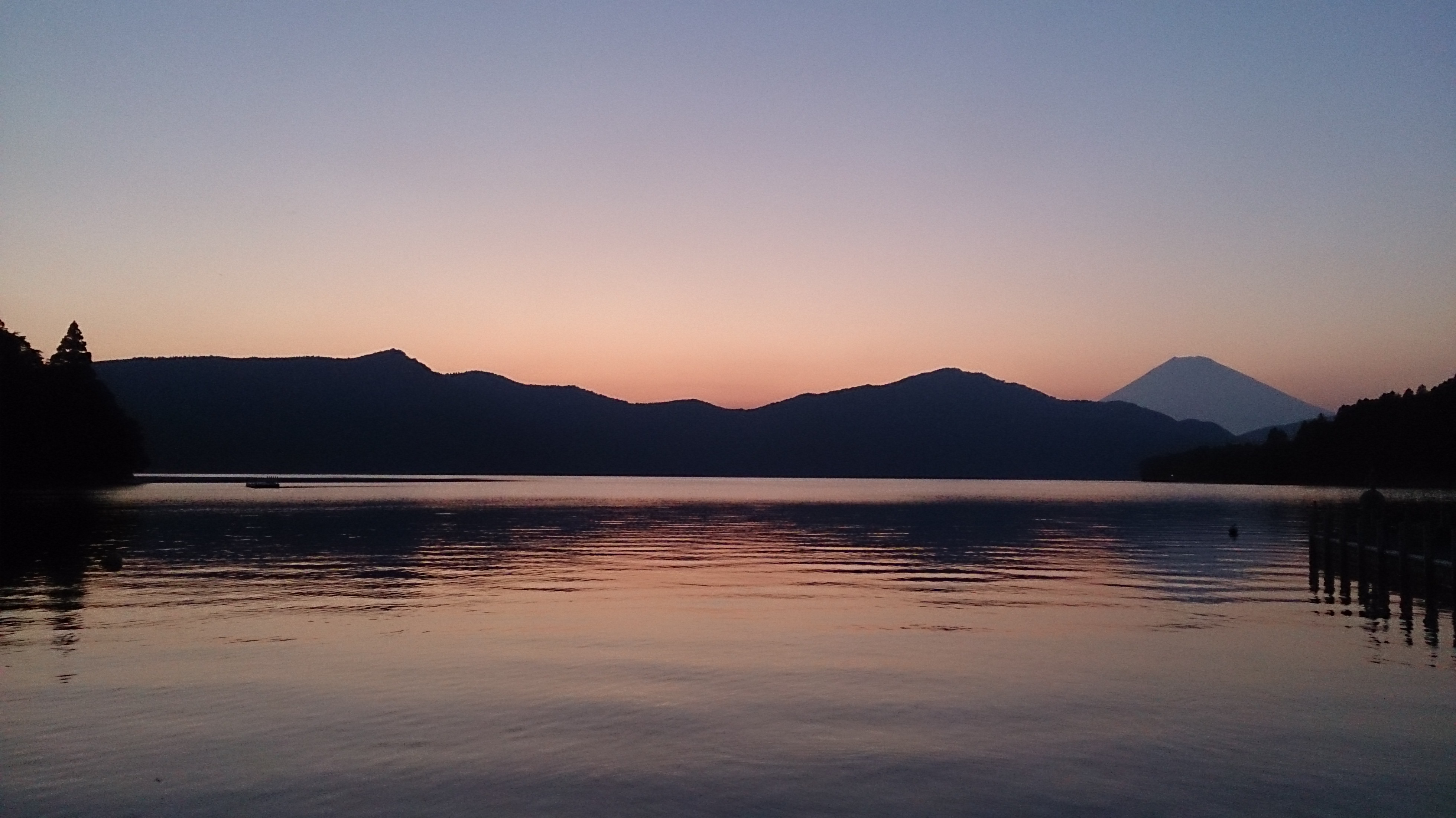 芦ノ湖の富士山