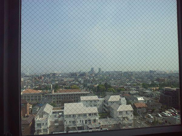 エレベーターに乗って南側の景色