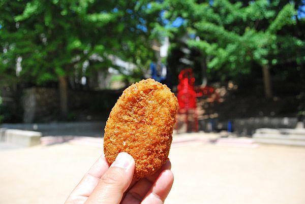 浜田屋精肉店のコロッケ