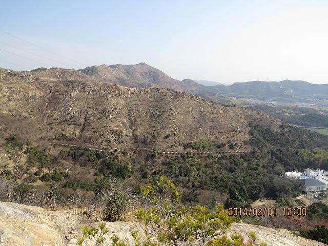 IMG_8779●鷹ノ巣山から高御位山を見る