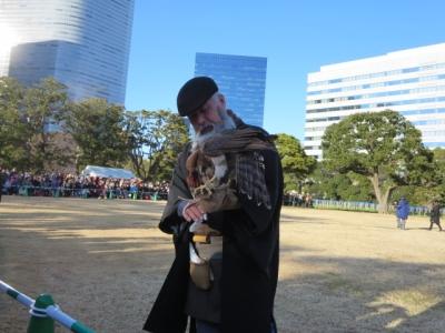 鷹匠の師匠とオオタカ