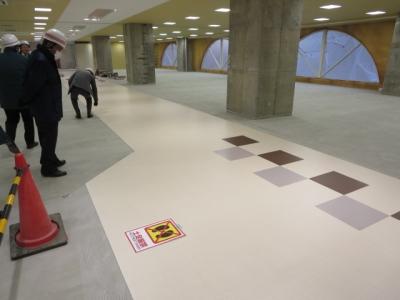 商業フロアーの廊下