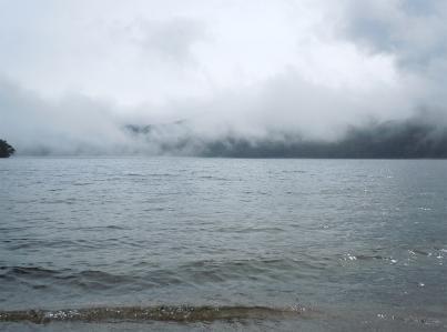中禅寺湖ほとり