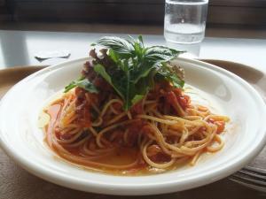 レストランジーベンのトマトパスタ