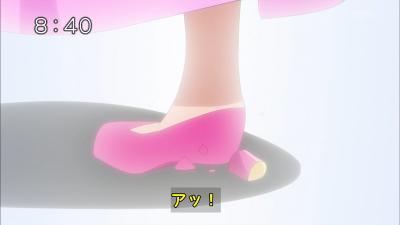 アッ、靴が折れた!!