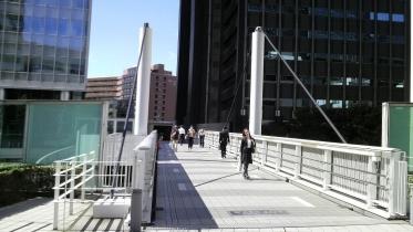 新宿南口サザンテラス 21