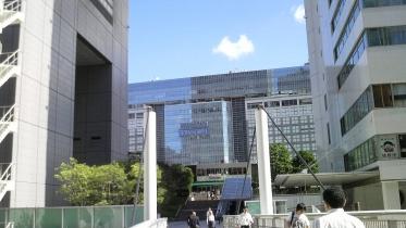 新宿南口サザンテラス 25
