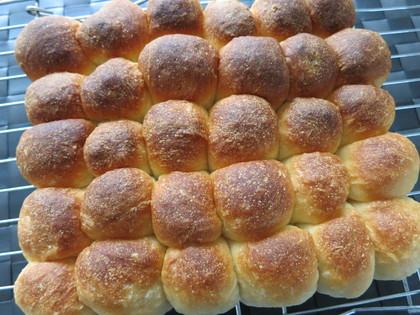 型に入れないちぎりパン。ミニミニ編