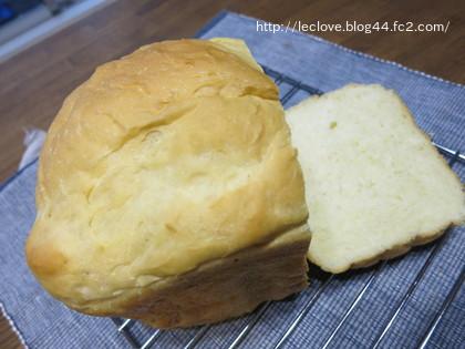 淡く焼いたよ。HBで食パン
