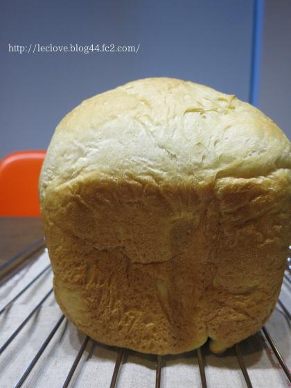 ゴールデンヨットで食パン