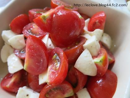 モッツアレラチーズとトマトのサラダ