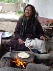 1-6パンを焼くアマレー