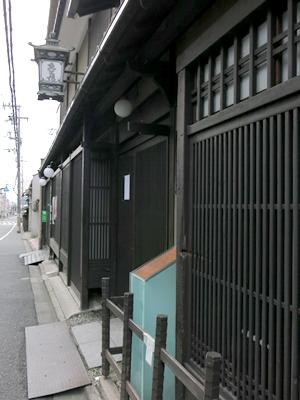 京町通り格子弾痕1402