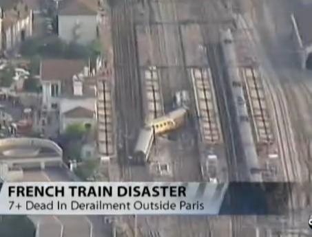 At Least 7 Dead in Train Derailment Near Paris