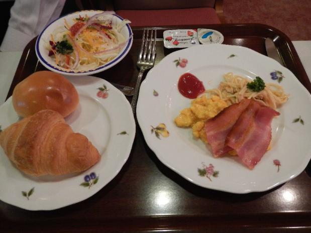 大阪オークス朝食 (2)