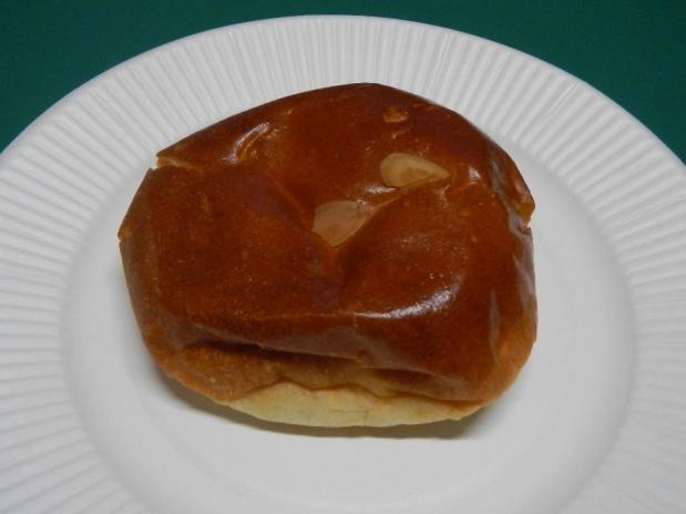 パン・ピジョン クリームパン (1)