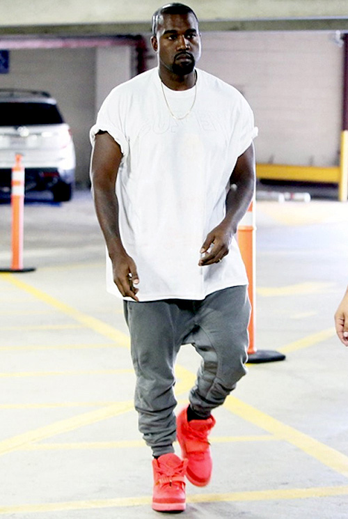 カニエ・ウェスト(Kanye West):イーザスツアーTシャツ(Yeezus tour tee)ハイダーアッカーマン (Haider Ackermann)ナイキ エアーイージー2(Nike Air Yeezy 2)