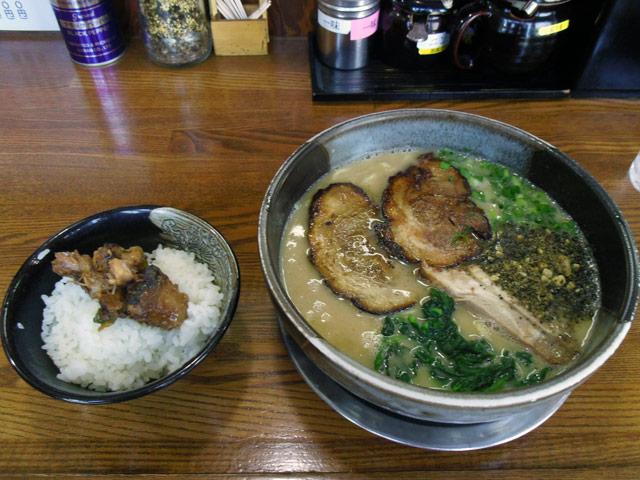 白豚麺+チャーシュー+豚めし